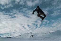 Vivid Snowboarding trick tip : frontside 180 - Verbier Snowboard School.